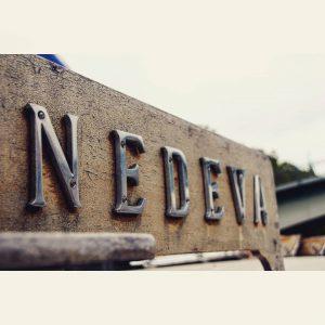 Bild des Schriftzugs Nedeva